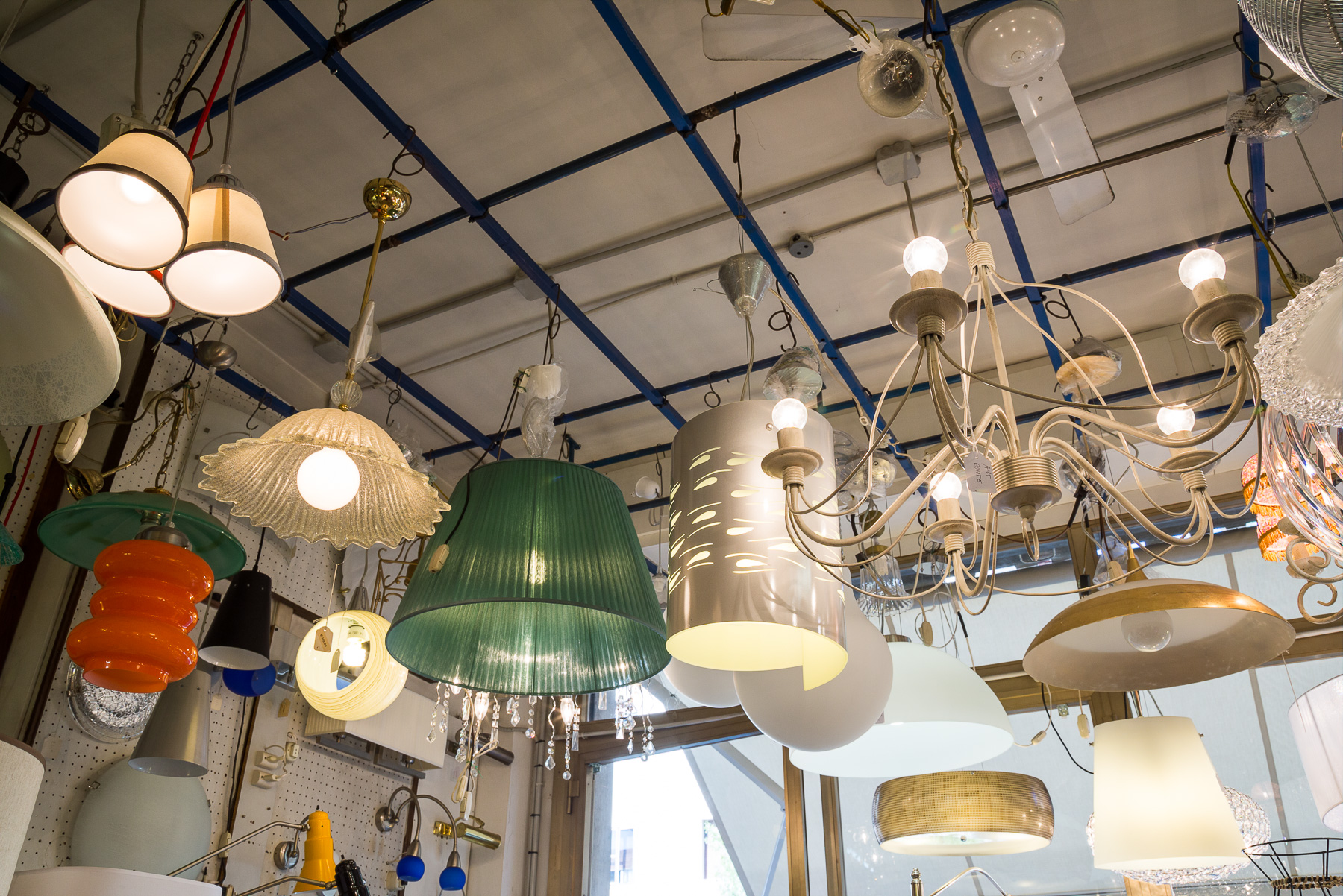 lampadari stile moderno : Lampadari a sospensione, stile classico e moderno